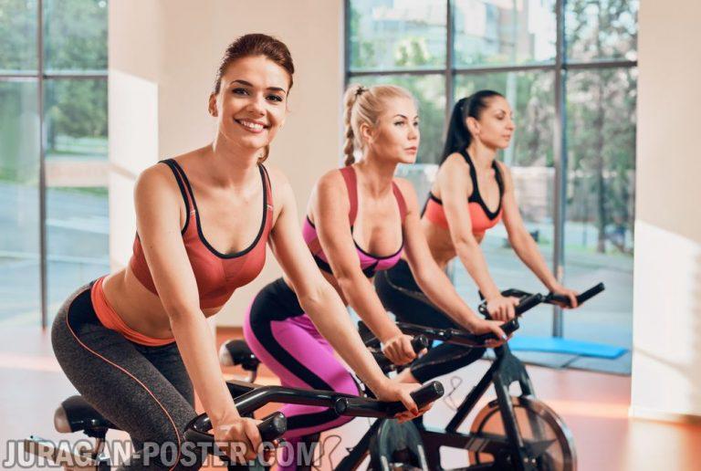 TRX training fitness girl