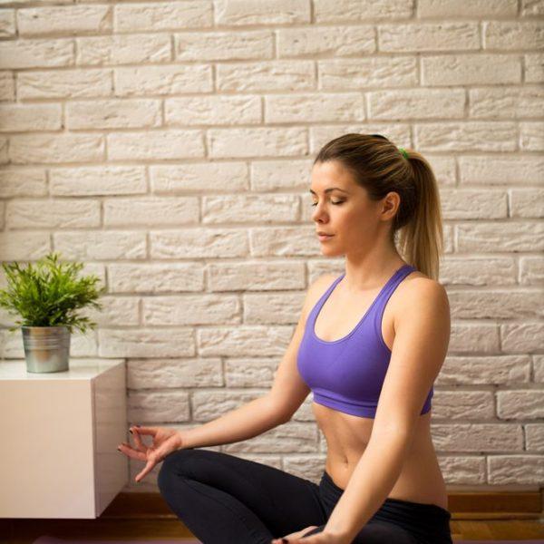 jual poster gambar berlatih yoga di pagi hari
