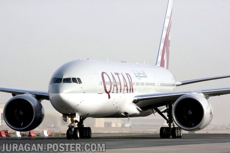 jual poster gambar pesawat Qatar Airways