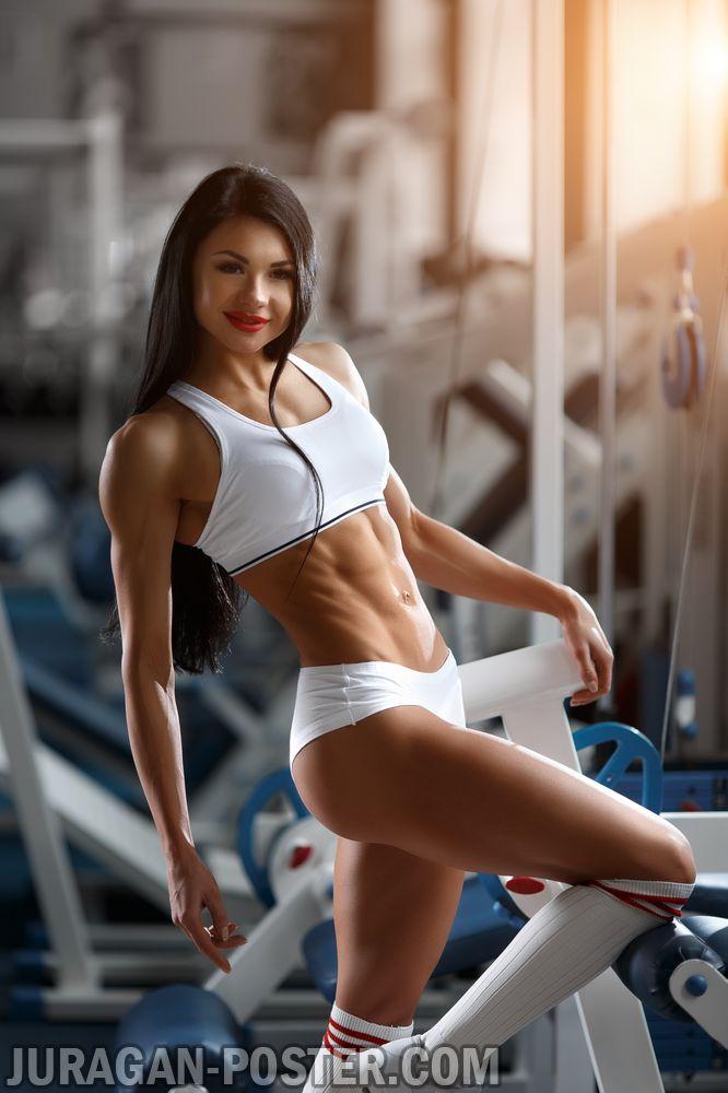 jual poster gambar wanita berpose di tempat gym