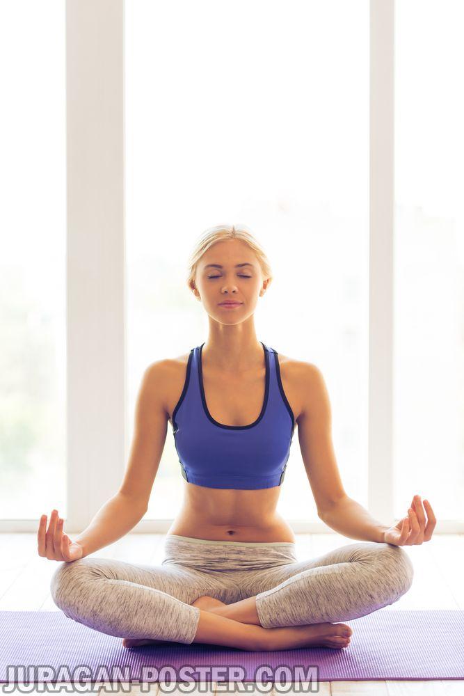 jual poster gambar wanita cantik berlatih yoga